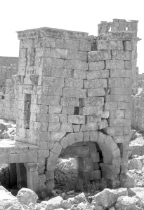 Fig. 4 - Anatolia, Jerade, traslazione orizzontale di blocchi non vincolati (foto Del Fiacco).